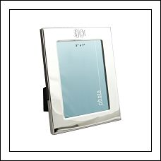 Classic 5 x 7 Photo Frame